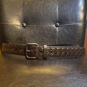 Bottega Veneta Belt. Brown leather. Size 34.